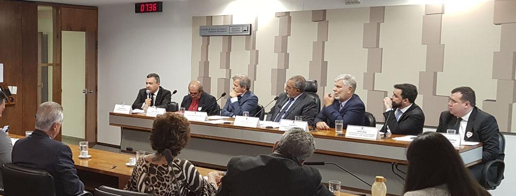 No Senado, presidente do Unacon Sindical critica texto da reforma da Previdência