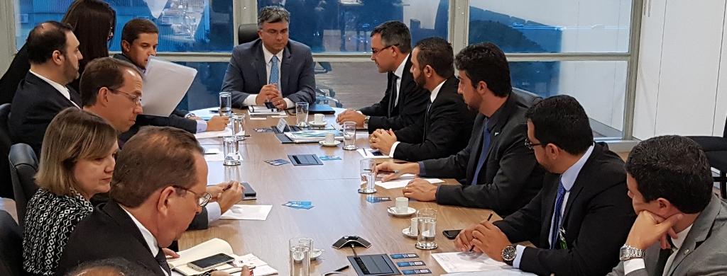 Em reunião com ministro, Fonacate aposta no diálogo para tratar de questões ligadas ao serviço público