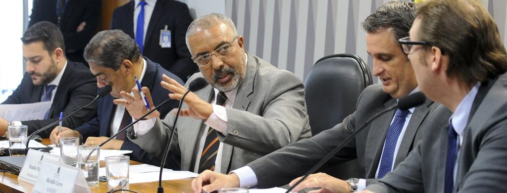 CPI da Previdência ouve representantes de centrais sindicais nesta segunda, 12