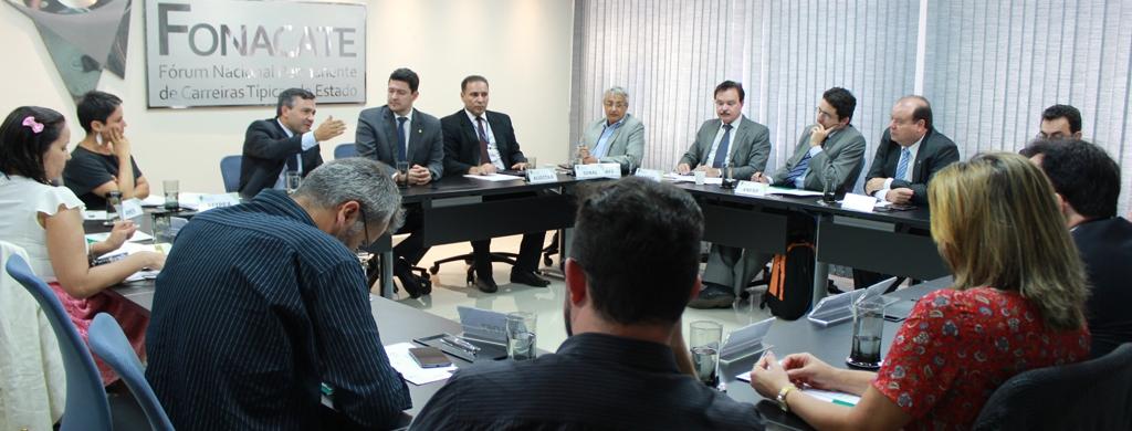 Entidades debatem projeto de negociação coletiva e ações em defesa do serviço público