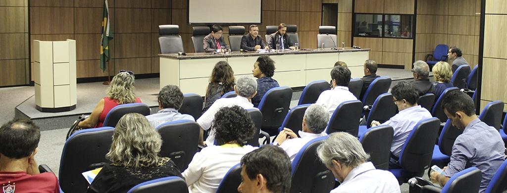 Em Brasília, carreira aprova, por unanimidade, Dia Nacional de Protestos para a  próxima  quarta, 30