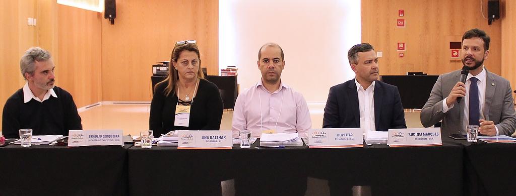 Reforma da Previdência domina agenda do primeiro dia; Professor Israel (PV-DF) participa do debate