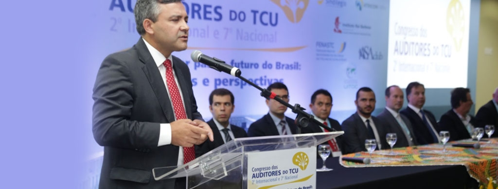 Presidente do Unacon Sindical participa do Congresso dos Auditores do TCU