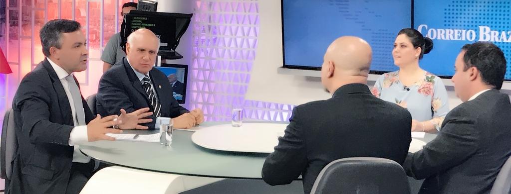 Em debate na TV Brasília, Marques cobra avaliação de desempenho para políticos