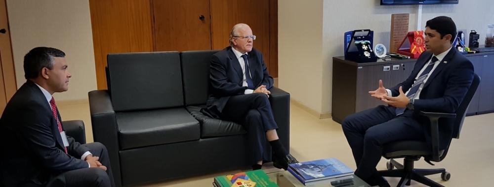 Aperfeiçoamento do sistema de controle pauta reunião com ministro da CGU