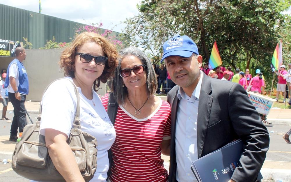 Adriana Cláudia Reis e Rosangela Casini, filiadas do Rio de Janeiro, participam do ato em Brasília